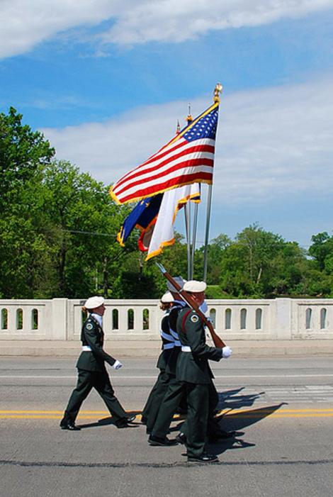 Memorial_day_parade_2008